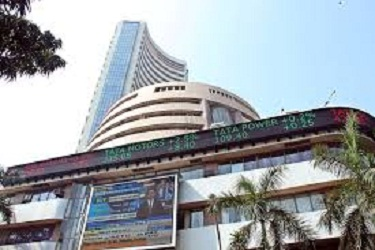 Sensex extends losses amid global weakness; HDFC twins drag